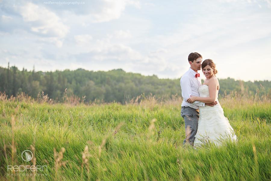 17_the_ranche_calgary_wedding_pictures_field_photos