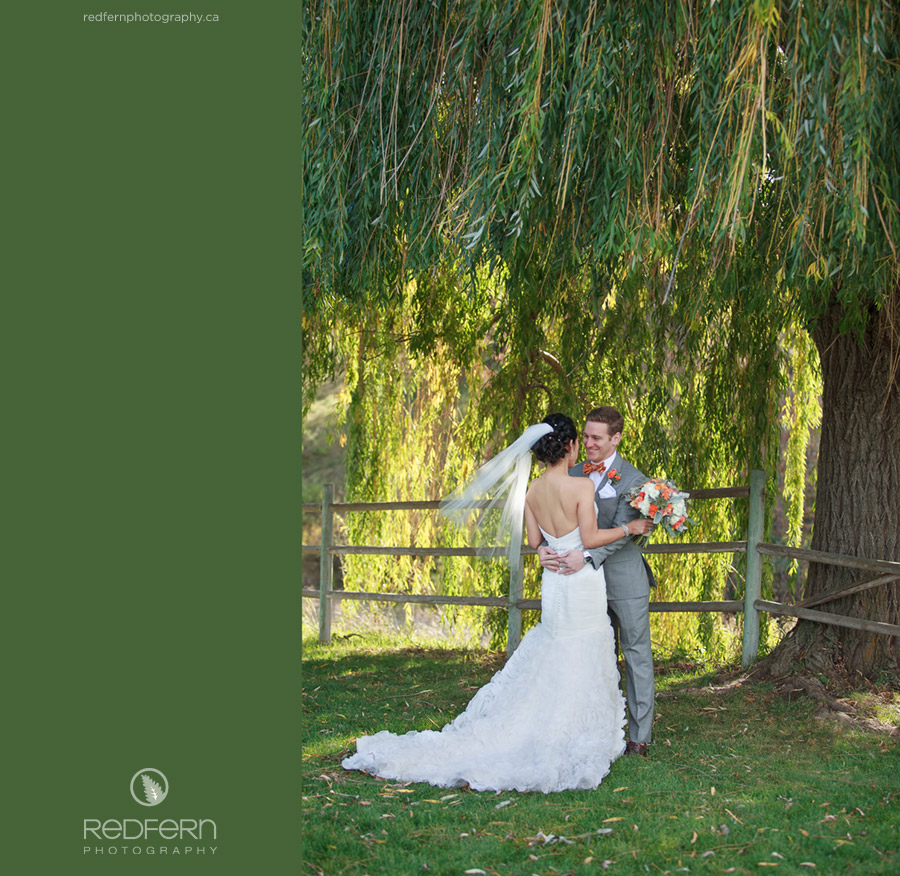 3_willow_tree_first_look_wedding_kelowna_pictures
