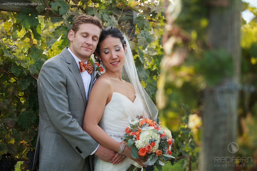 4_kelowna_wedding_pictures_in_a_vineyard_autumn