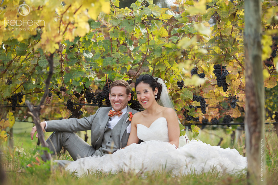 7_kelowna_summerhill_pyramid_winery_wedding_photos_vineyard_autumn_grapes_leaves