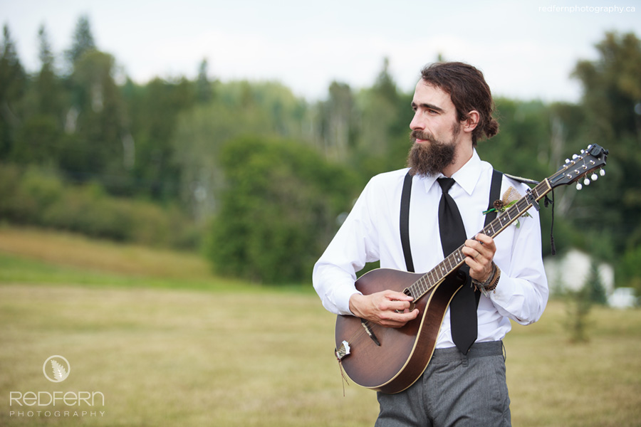 outdoor wedding ceremony music mandolin player
