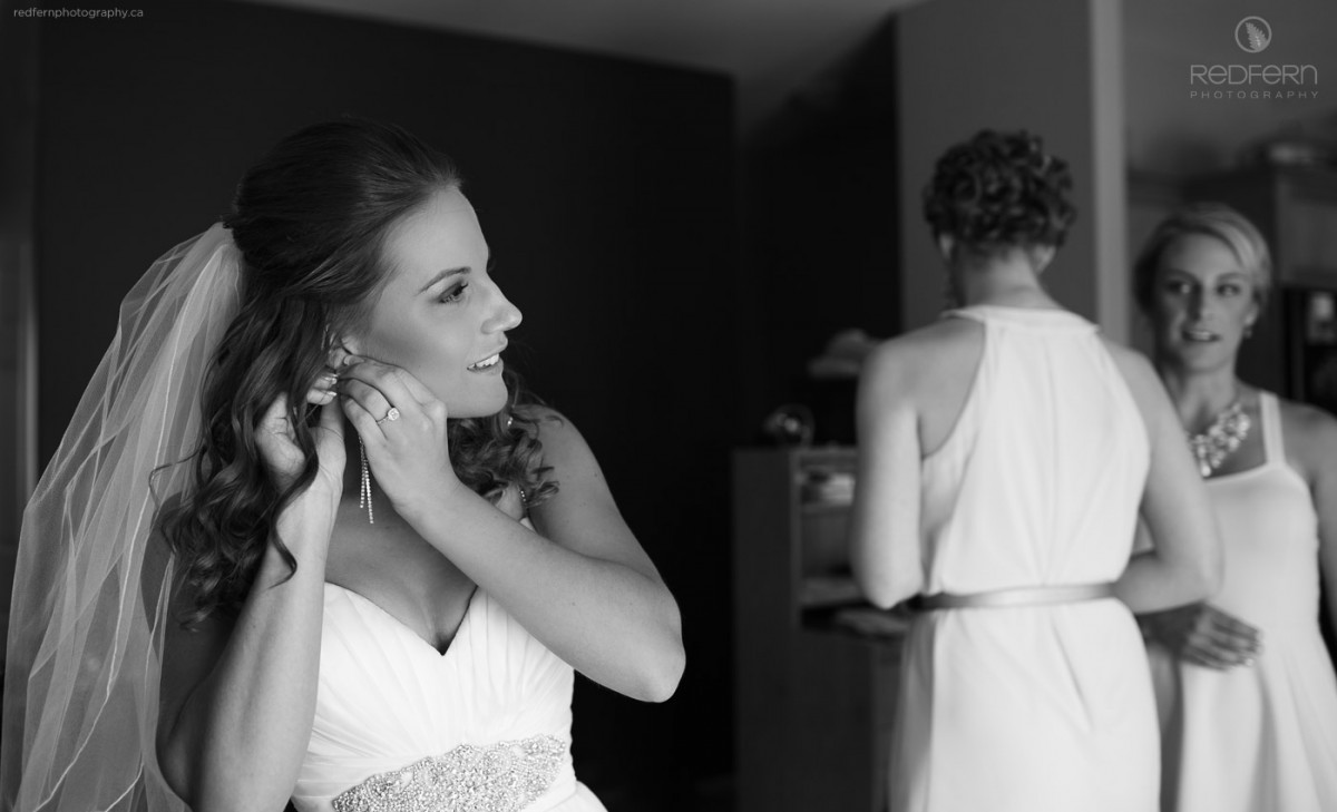 kelowna wedding photographers bride getting ready