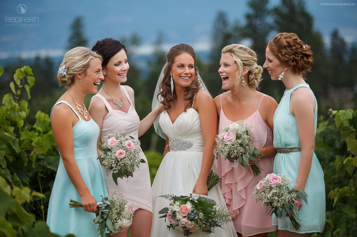 kelowna bridesmaids pastel pictures in the vineyard vines